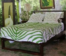 iaf-parallel-queen-cedar-bed