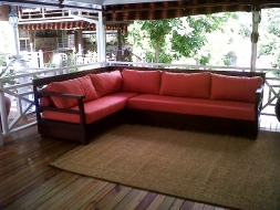 Soho sectional with arms