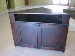 Corner TV unit with wrought iron